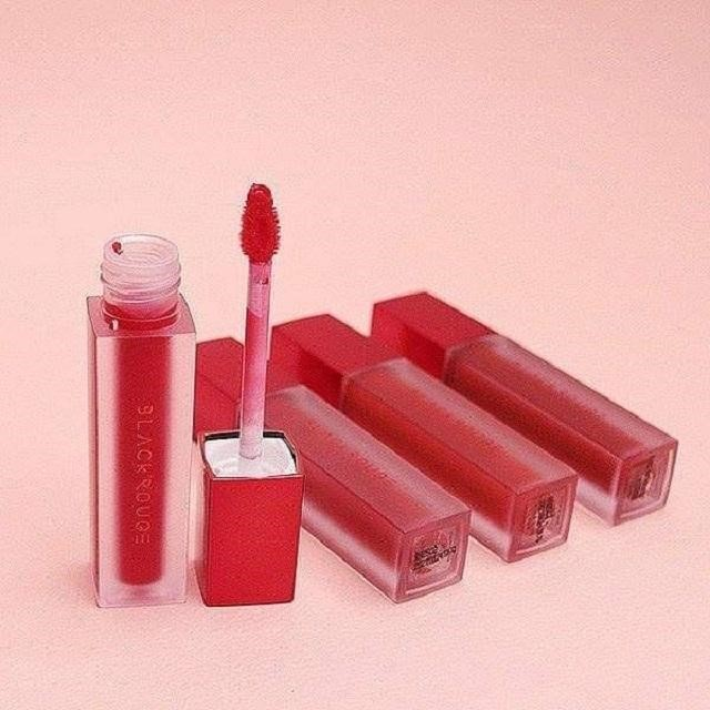 Son môi Black Rouge mang thiết kế đơn giản