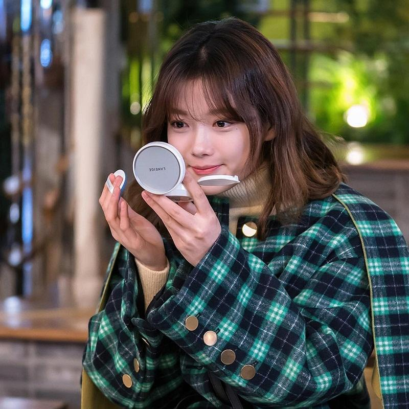 """Diễn viên Kim Yoo Jung quảng bá Laneige trong Drama """"cô tiên dọn dẹp"""""""