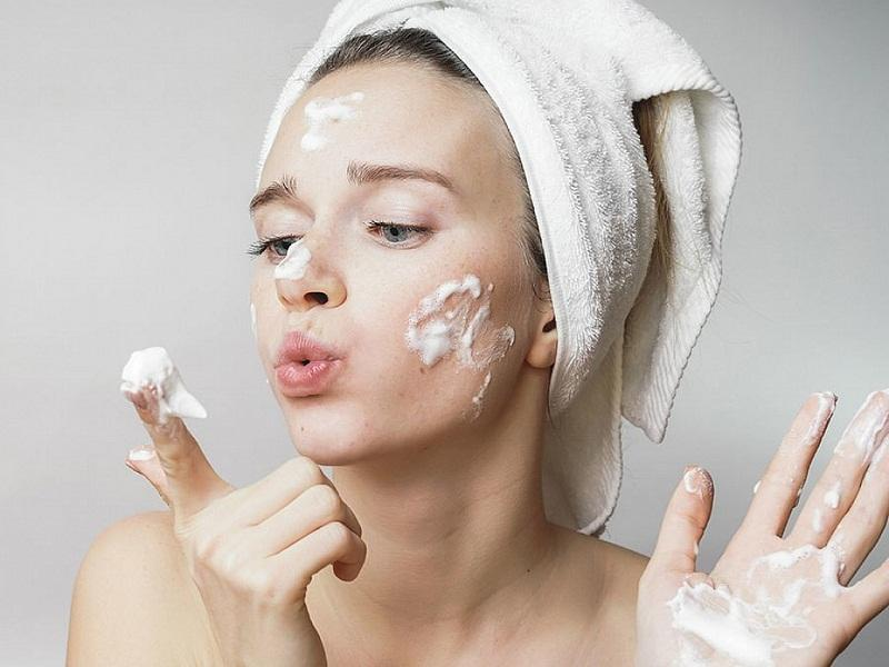 Sữa rửa mặt tốt sẽ giúp bảo vệ da tốt hơn