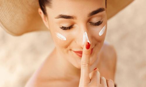 Review 7 kem chống nắng cho da nhạy cảm an toàn có thể bạn chưa biết
