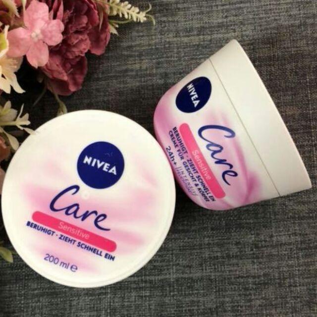 Kem dưỡng ẩm Nivea dòng Care Sensitive