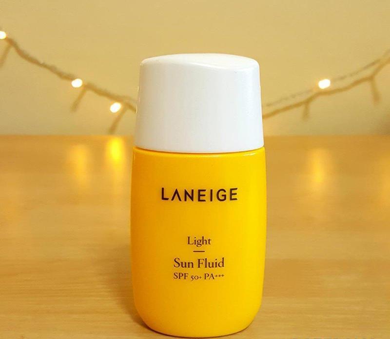 """Laneige Light Sun Fluid SPF50+ PA+++: """"Chàng vệ sĩ"""" hảo hạng cho nàng da dầu"""