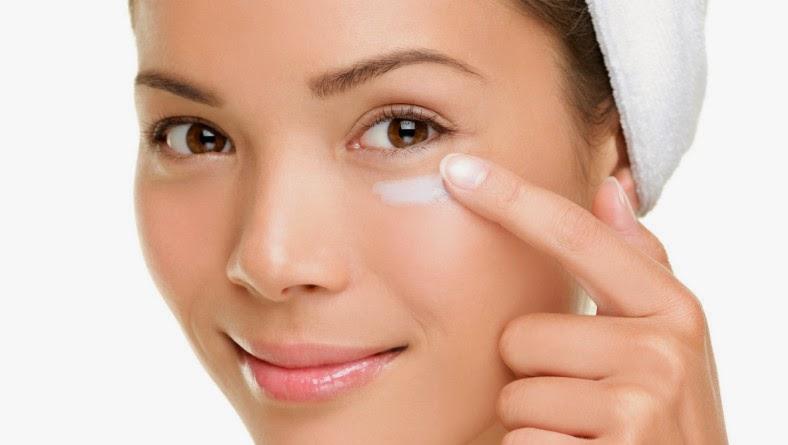 Sản phẩm ngăn ngừa mụn, tàn nhang do cháy nắng. Bổ sung đầy đủ độ ẩm, dưỡng chất cho làn da