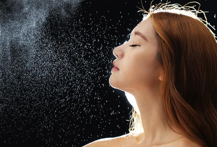 Xịt khoáng không chứa hương liệu tổng hợp, hóa chất bảo quản, an toàn cho da