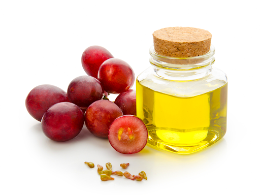Có hàm lượng lớn Omega 6 và Vitamin E từ dầu hạt Nho