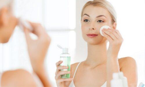 """Review 10 loại toner được các """"beauty blogger"""" đánh giá cao 2021"""