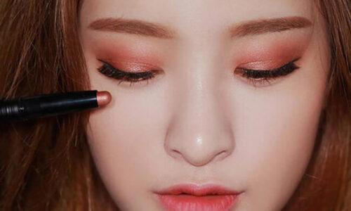 Review phấn mắt dạng thỏi cho lớp makeup tự nhiên