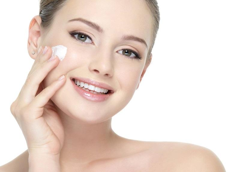 Allantoin hoạt động như một chất giúp làm mềm và dưỡng ẩm