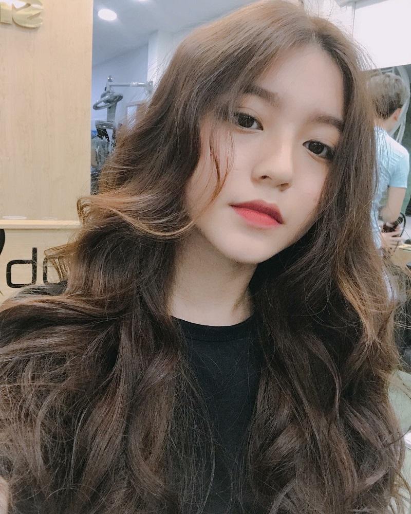 Tóc dài không mái gợn sóng Hàn Quốc