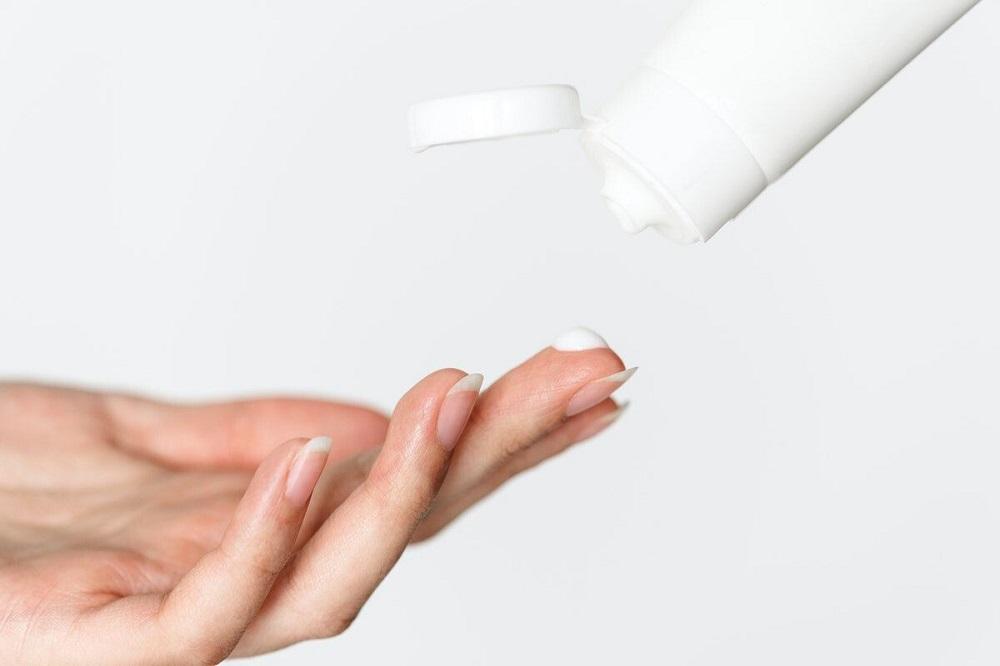Panthenol có vai trò là một chất làm mềm