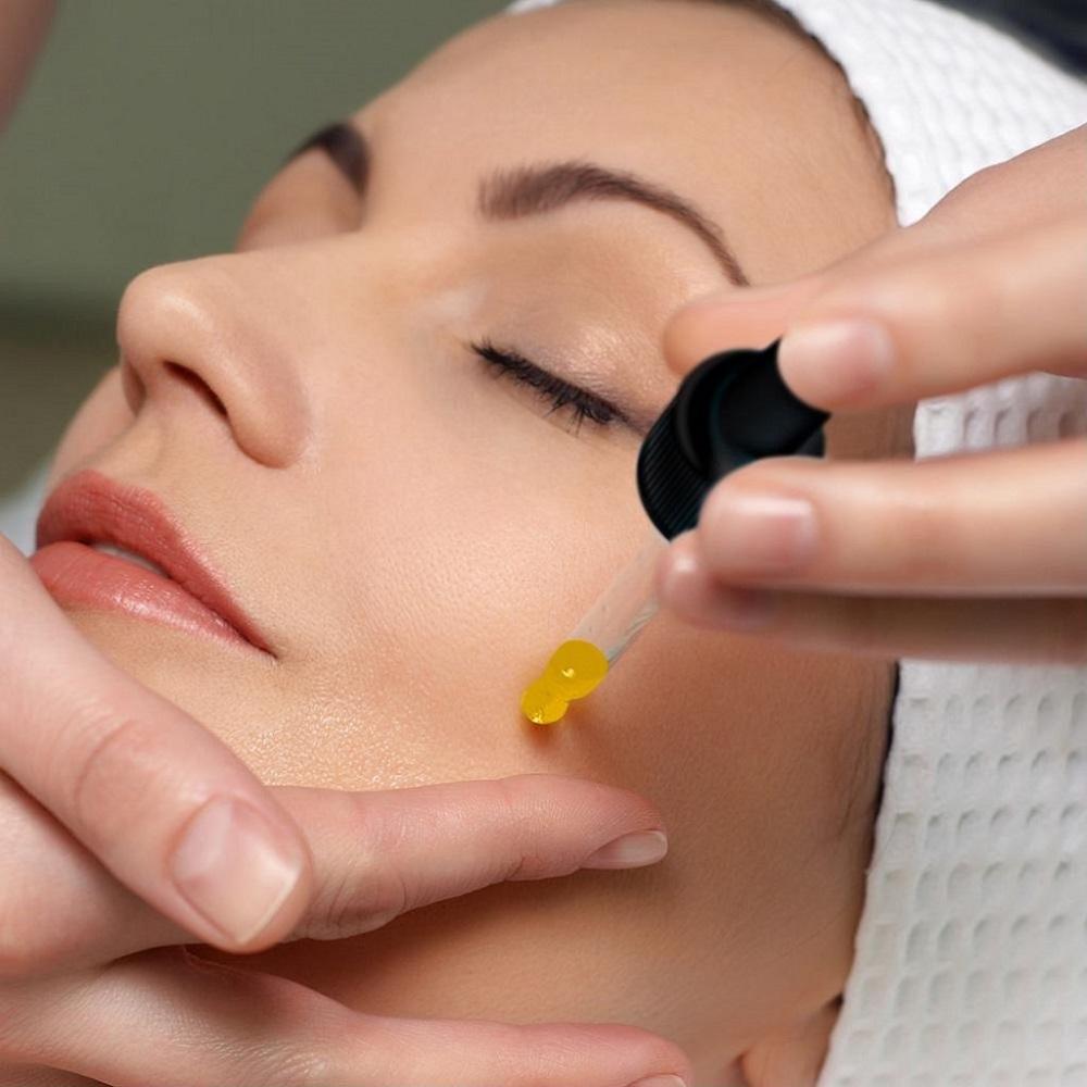 Dầu chùm ngây được xem là một loại dưỡng ẩm tốt đối với da khô