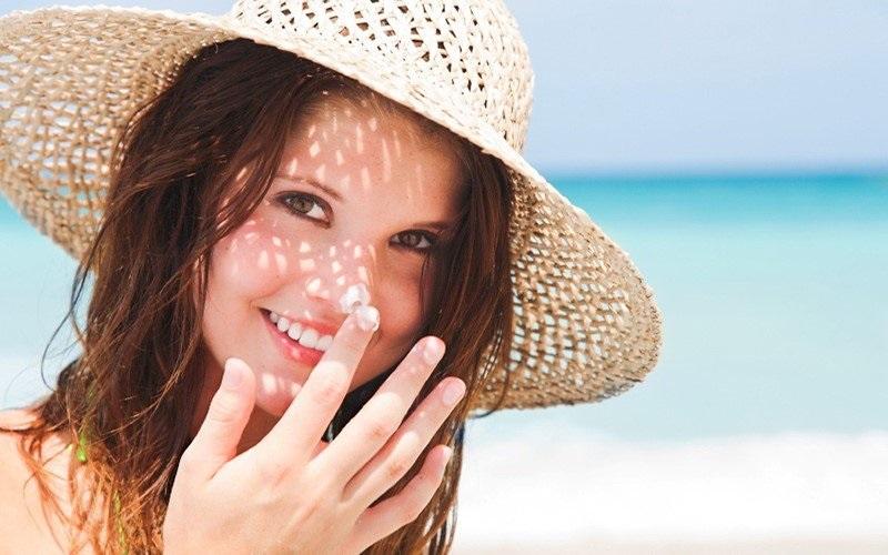 Công dụng kem chống nắng nâng tone da