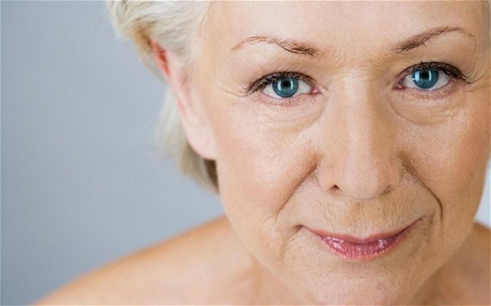 CoQ10 còn đóng vai trò như một chất chống oxy hóa giúp ngăn ngừa lão hóa da
