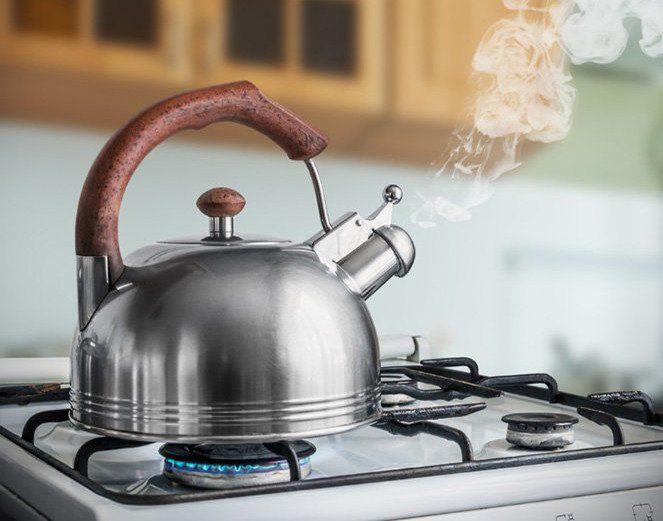 Không pha trà xanh ở nhiệt độ sôi 100 độ C sẽ làm mất chất trà